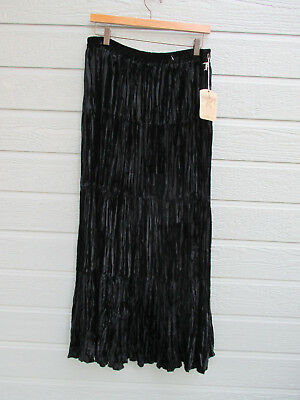 NWT Saddle Ridge Vtg Collection Women's SZ M Elastic Waist Black Velvet Skirt Flexible Womens Saddle
