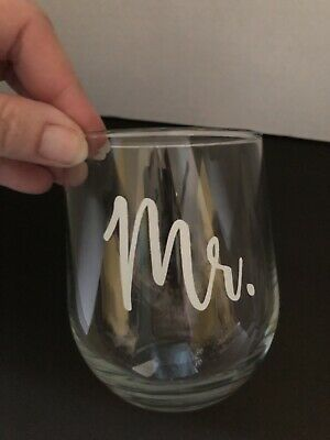 Mr and Mrs Stemless Wine Glasses for Bride and Groom Wedding Celebration (Set of (Bride And Groom Wine Glasses)