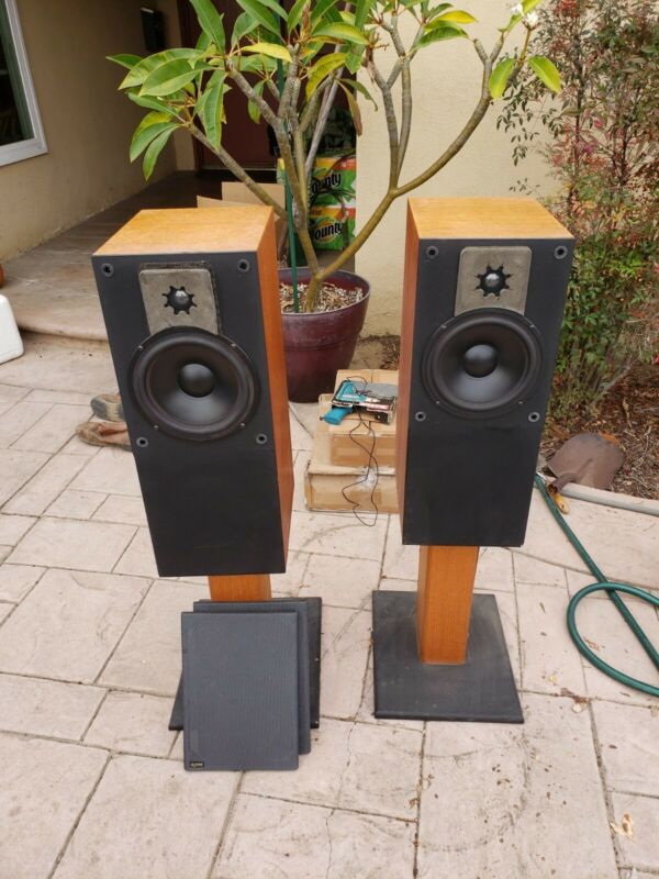 Signet SL 280 Vintage Speakers. Pair, Great Working Condition Sequential S/N