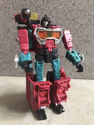 Transformers Universe Perceptor Deluxe Complete Classics Generations