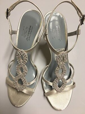 Unforgettable Moments Payless White Heels Sandals Womens Bridal Sz 5 Fits 5 5 6