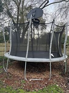 Vuly XL trampoline with extras