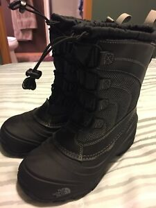 Near New Kids North Face Winter Boots Size 4