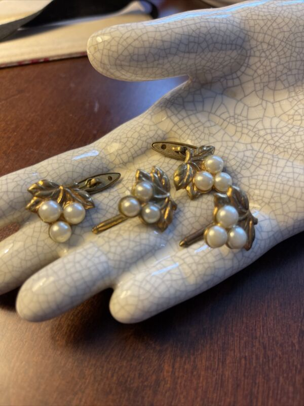 Antique Victorian Gold Filled 4 Ladies Cuff links Set Grape Or Cherry Bunch