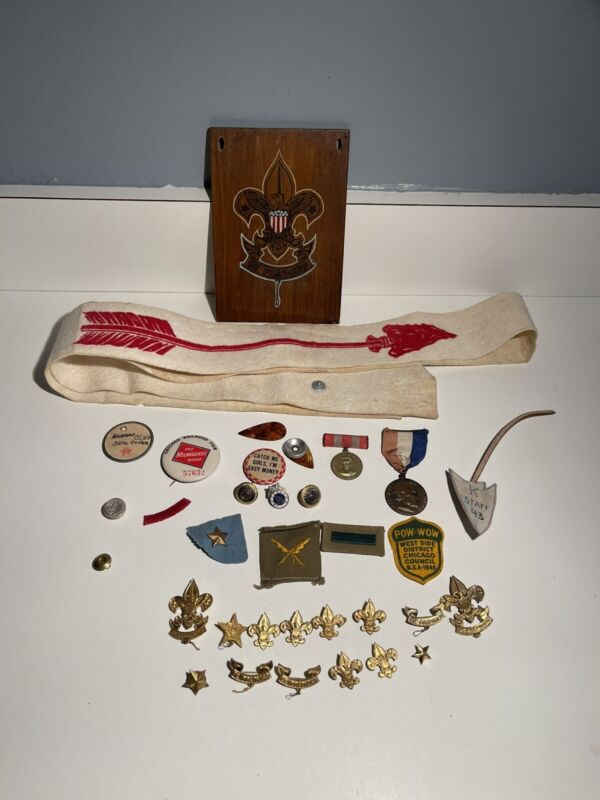 Vtg Mixed Lot Of Boy Scout Badges,Patches ,Pins,books,MedalOrder Of Arrow 1940s