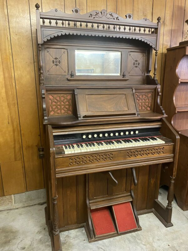 Antique Kimball Chicago pump organ late 1800