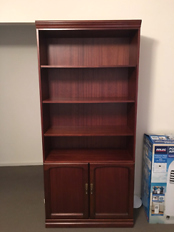 Cabinet excellent condition with delivery