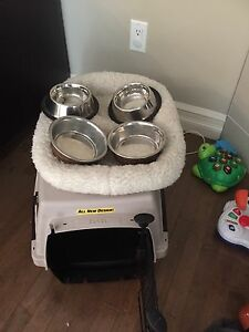 Small Kennel/ bed/ 4 food and water dishes -All for $40