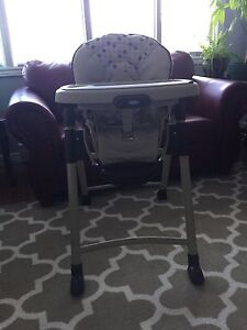 Graco Swift Fold High Chair with One Hand Folding Motion.