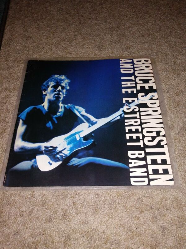 BRUCE SPRINGSTEEN 1980/1981 THE RIVER TOUR CONCERT PROGRAM BOOK NICE CONDITION!