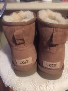 Brand New! UGGS! Size 7