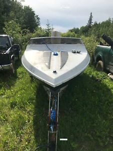 MOVING MUST SELL!! Conqueror boat and trailer