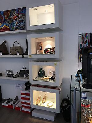 Ausstellungsboxen Regalboxen freihängend weiß Ladeneinrichtung gebraucht
