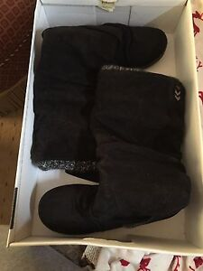 Roxy boots, never worn