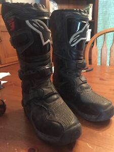 Child's Size 2 dirt biking boots