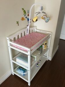 Child Craft Camden Changing Table+pad&cover+mobile(reduced)