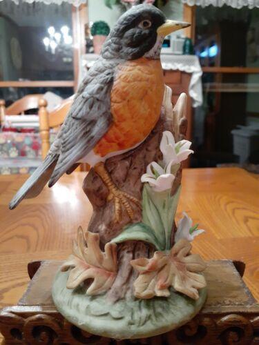 Gorham Gallery Birds Vignette Collection.  Robin. Excellent condition