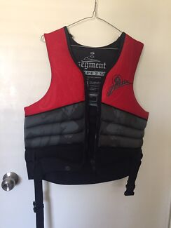 Life jacket (PFD 2) and 2 x wetsuits for skiing/jet ski (PFD3)