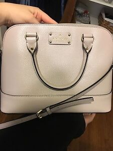Kate Spade bag (can be crossbody)