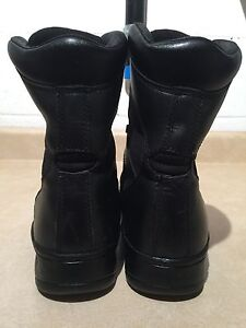 Men's Rocky Waterproof Leather Boots Size 9  London Ontario image 5