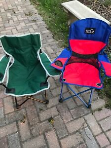2 small camp chairs