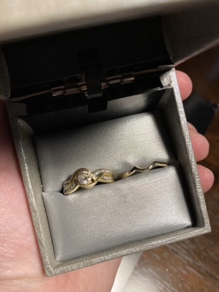 Engagement rind and wedding band 14k gold
