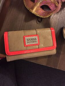 Guess wallet (never used)