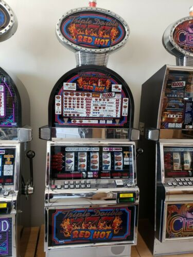 TRIPLE DOUBLE 777 RED HOT COINLESS  IGT SLOT MACHINE  FUN FOR YOUR HOME