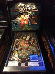 Working Williams Flash pinball machine for sale