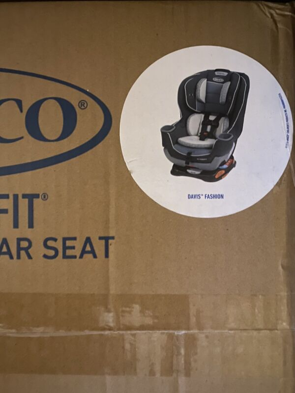 Graco Extend2Fit Convertible Car Seat Davis