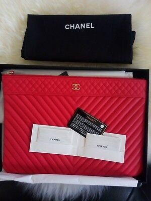 Chanel O-Case / clutch in quilted caviar leather  - New