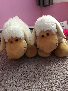 Two big stuffed sheep