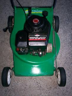 BRIGGS STRATTON LAWN MOWER,4 STROKE,SERVICED.NO CATCHER. Runcorn Brisbane South West Preview