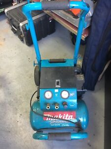 Compressor Makita 3hp 5.2 gallons in good working condition