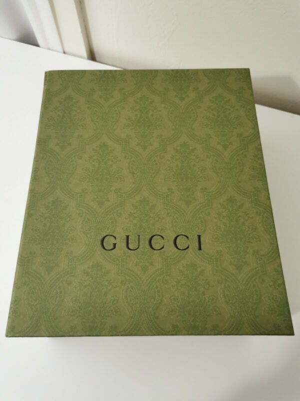 """Gucci Authentic Green Gift Box With Magnetic Closure 8.5×10.25×4.5"""" New"""