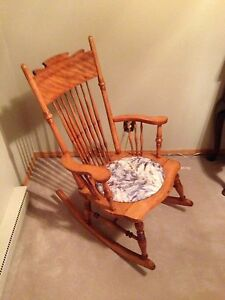 Gorgeous Windsor style rocking chair