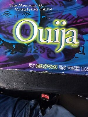 OUIJA BOARD GLOW-IN-THE-DARK MYSTERIOUS MYSTIFYING GAME BY PARKER BROTHERS