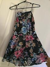 Floral play suit size 8 Port Wakefield Wakefield Area Preview
