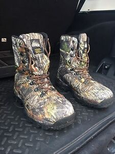 Camouflage hunting boots size 8