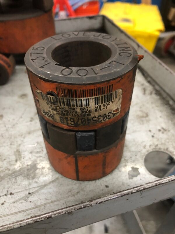 NEW LOVEJOY INC. L-100 1.375 COUPLING SET KW 68514411522 Surface Rust