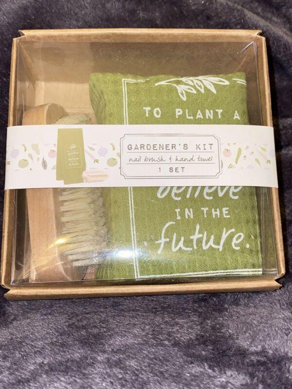 Gardener's Kit Nail Brush & Hand Towel 1 Set