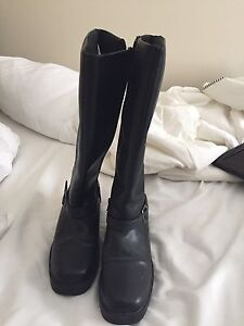 Black dress boots size 9