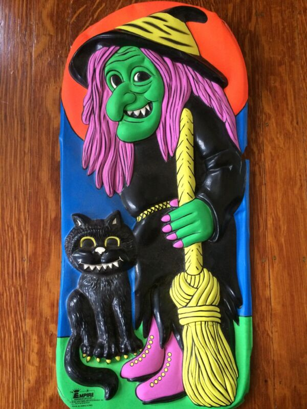 VINTAGE EMPIRE HALLOWEEN PLASTIC 3D MOLDED VACUFORM WALL Witch Decoration Rare