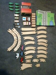 Wooden train set 52 pieces