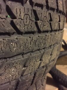 Two Toyo observe gsi-5 studless winter tire