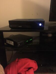 XBOX ONE . 1tb hard drive, 2 controllers , lots of games
