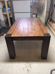 Rustic Wood Dinning Table