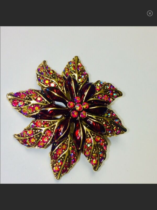 Christmas POINSETTIA FLORAL CRYSTAL AND ENAMEL BROOCH PIN SET IN GOLD TONE METAL