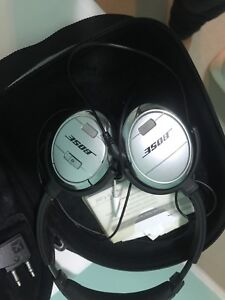 Bose noise cancelling QC3 in good condition