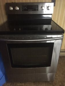 Samsung Stove  REDUCED PRICE 300.00 need gone